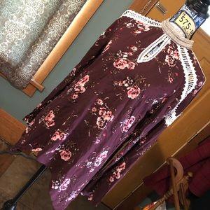BKE boutique beaded floral blouse sz S